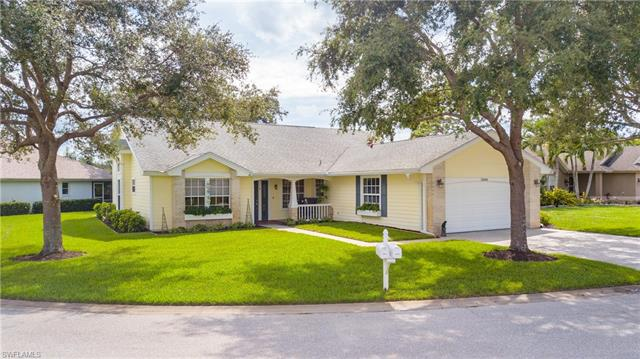 22029  Seashore CIR, Estero, FL 33928-