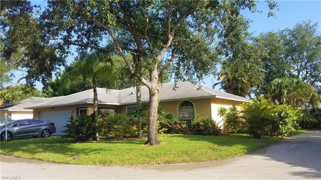 12313  Londonderry LN, Bonita Springs, FL 34135-