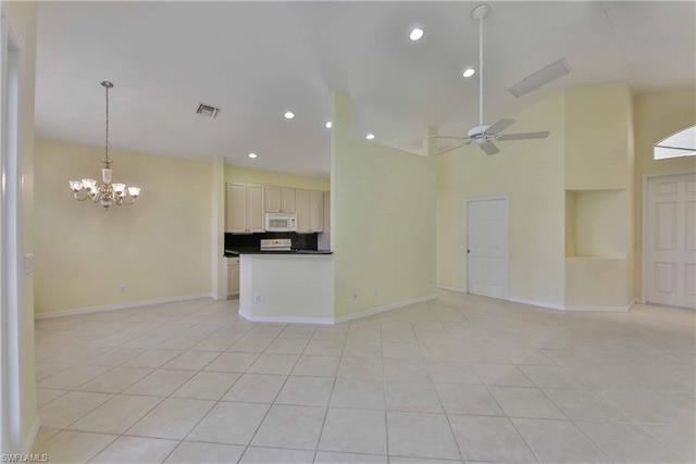 9410  Springview LOOP Estero, FL 33928- MLS#218079521 Image 6