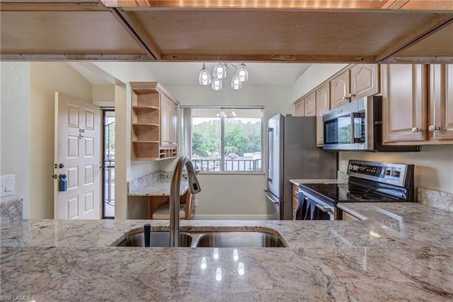 For Sale in COUNTRY CLUB VILLAGE Fort Myers FL