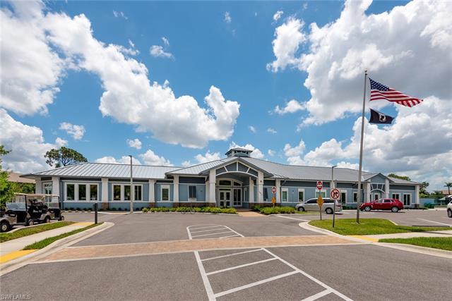 5830 Trailwinds 812, Fort Myers, FL, 33907