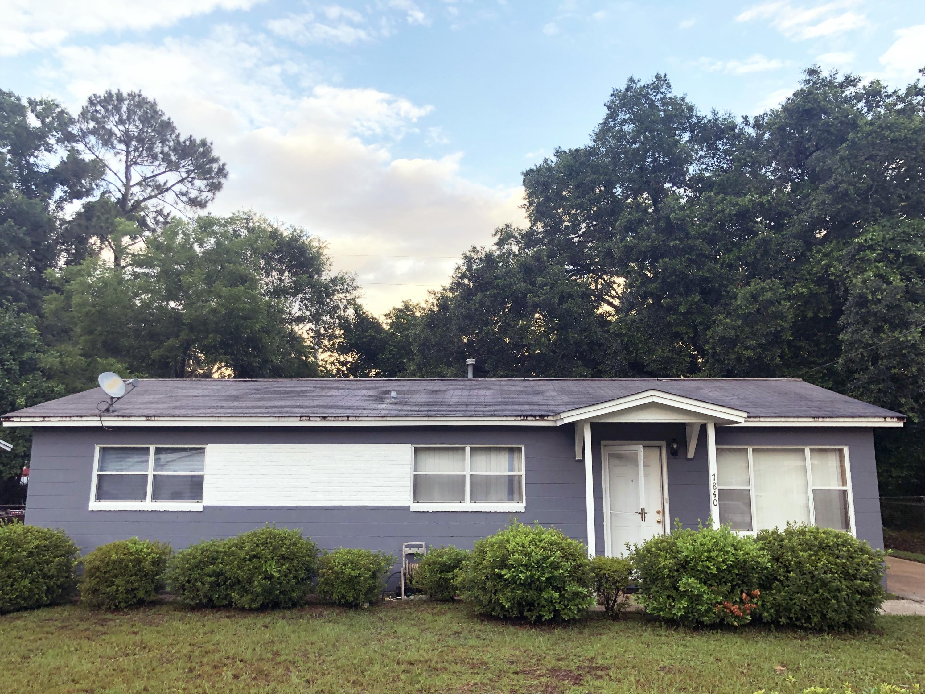 Photo of 7840 Castlegate Drive, Pensacola, FL 32534