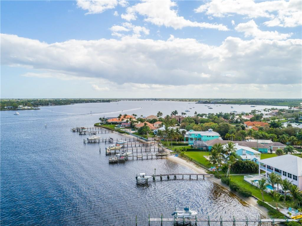 BAY POINTE REALTY