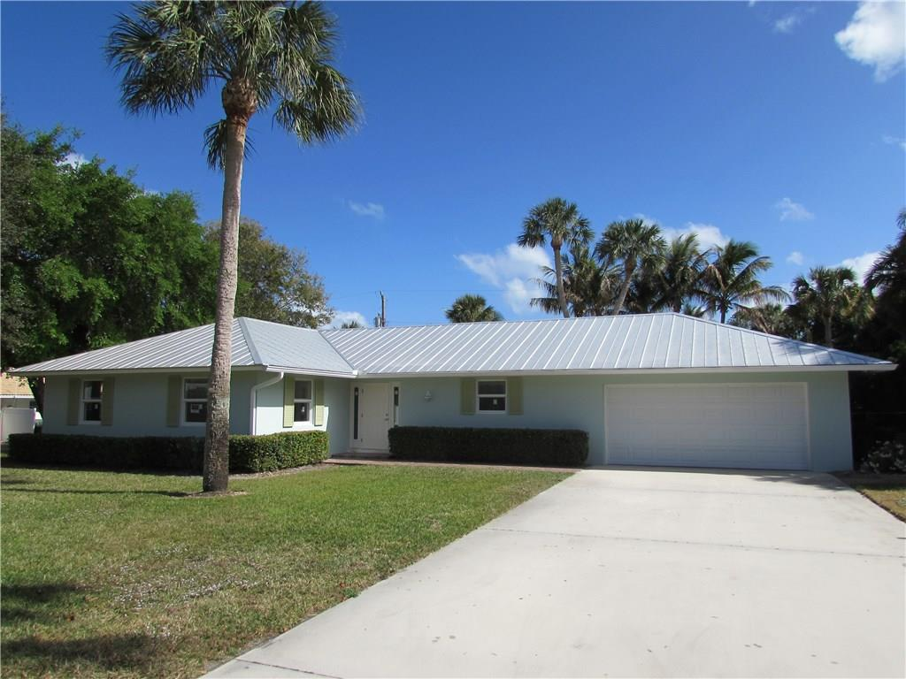 15 N Via Lucindia, Sewalls Point, FL 34996