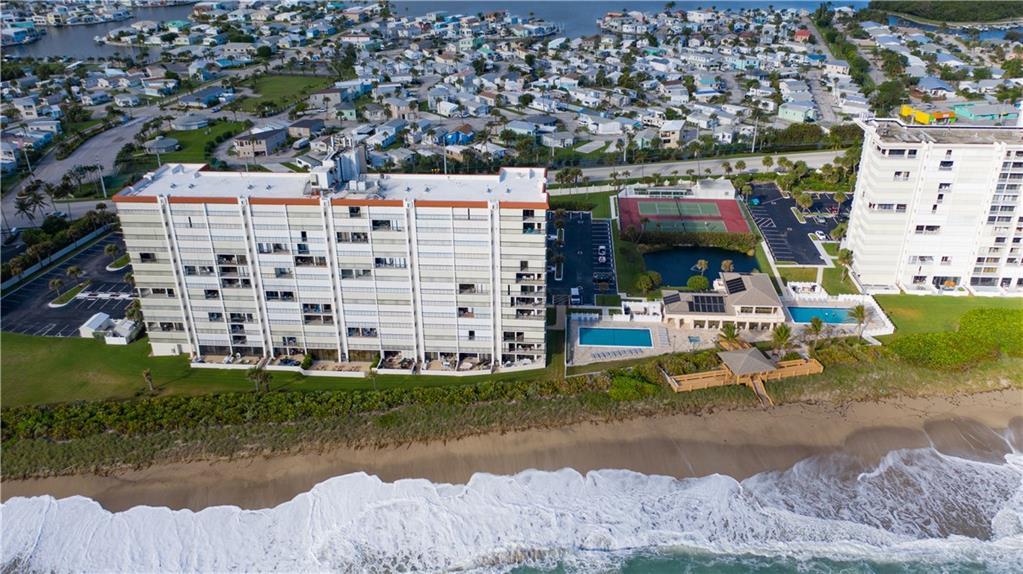 Island Crest Condominium