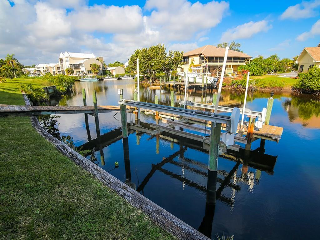 MARINER CAY YACHT CLUB HOMES FOR SALE