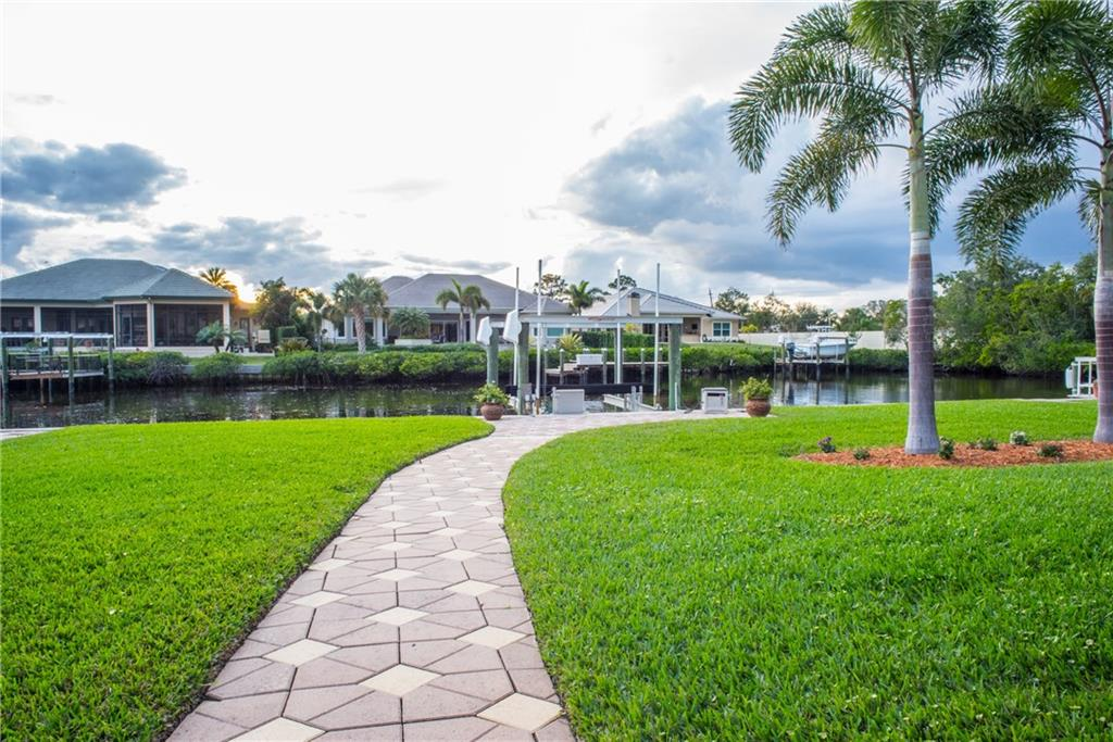 YACHT & COUNTRY CLUB STUART HOMES FOR SALE
