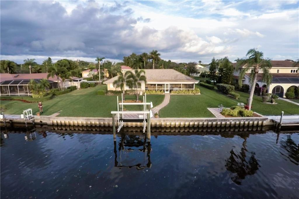 YACHT & COUNTRY CLUB STUART REAL ESTATE