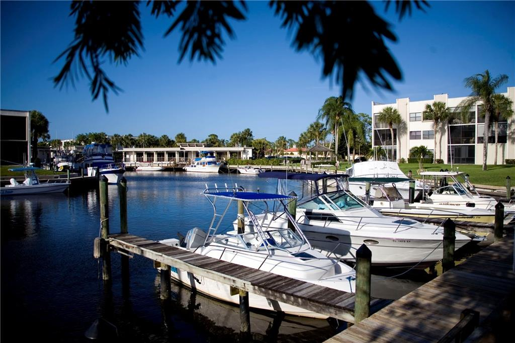 Circle Bay Yacht Club Condo 01