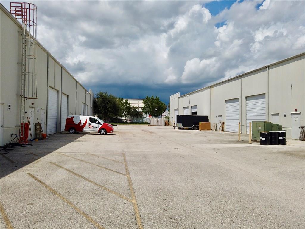 585 NW Mercantile, Port Saint Lucie, FL, 34986