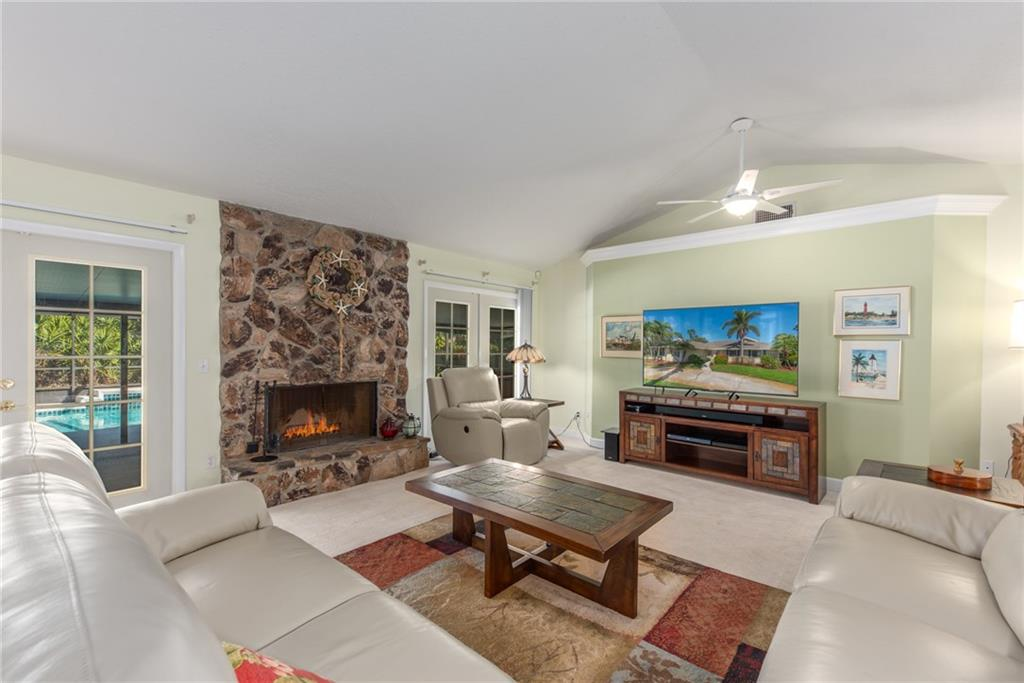 PINECREST LAKES REALTY