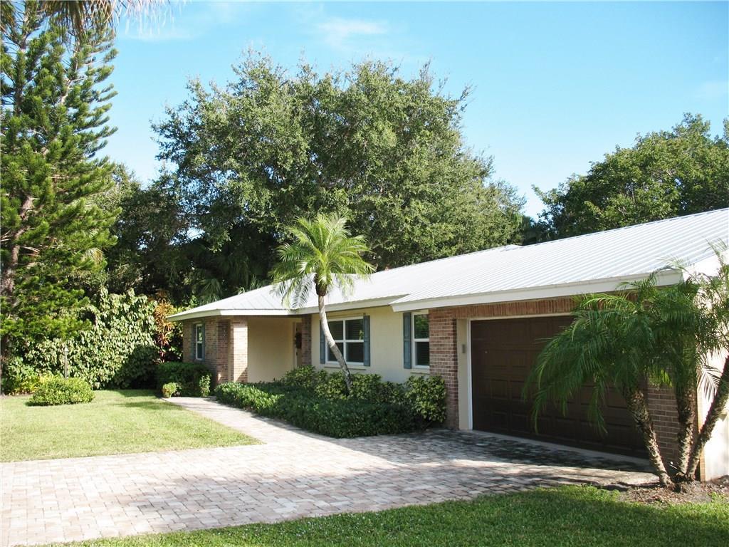 9 N Via Lucindia, Sewalls Point, FL, 34996