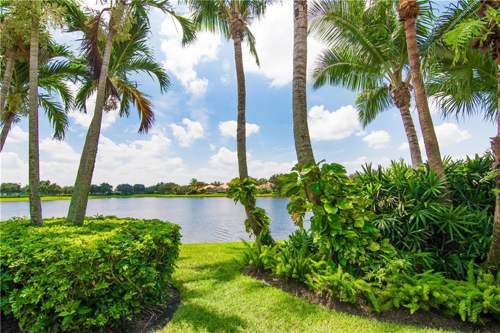 FLORIDA CLUB HOMES FOR SALE