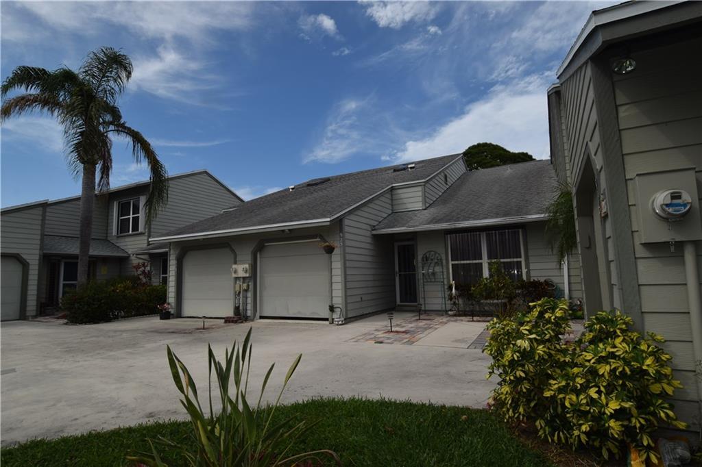 925 NE Sandalwood,  Jensen Beach, FL