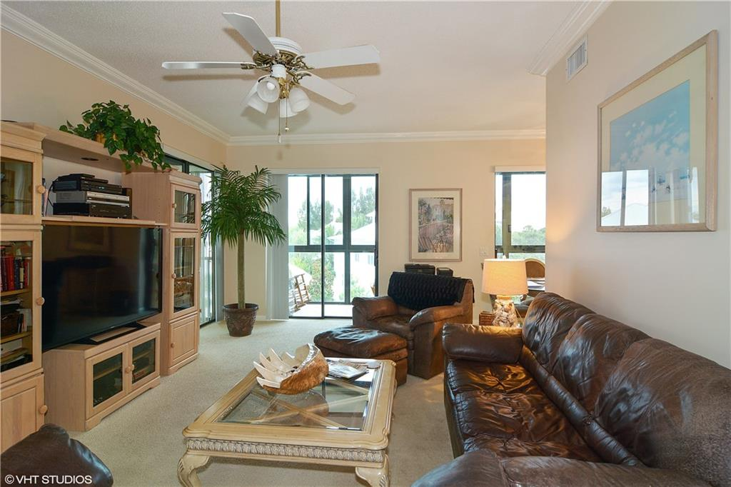 Four Winds On River Condo