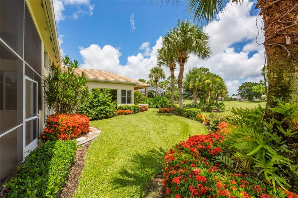 MONARCH COUNTRY PALM CITY REAL ESTATE