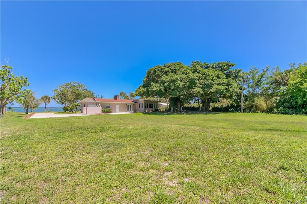BEAUTIFUL INDIAN RIVER FORT PIERCE REAL ESTATE