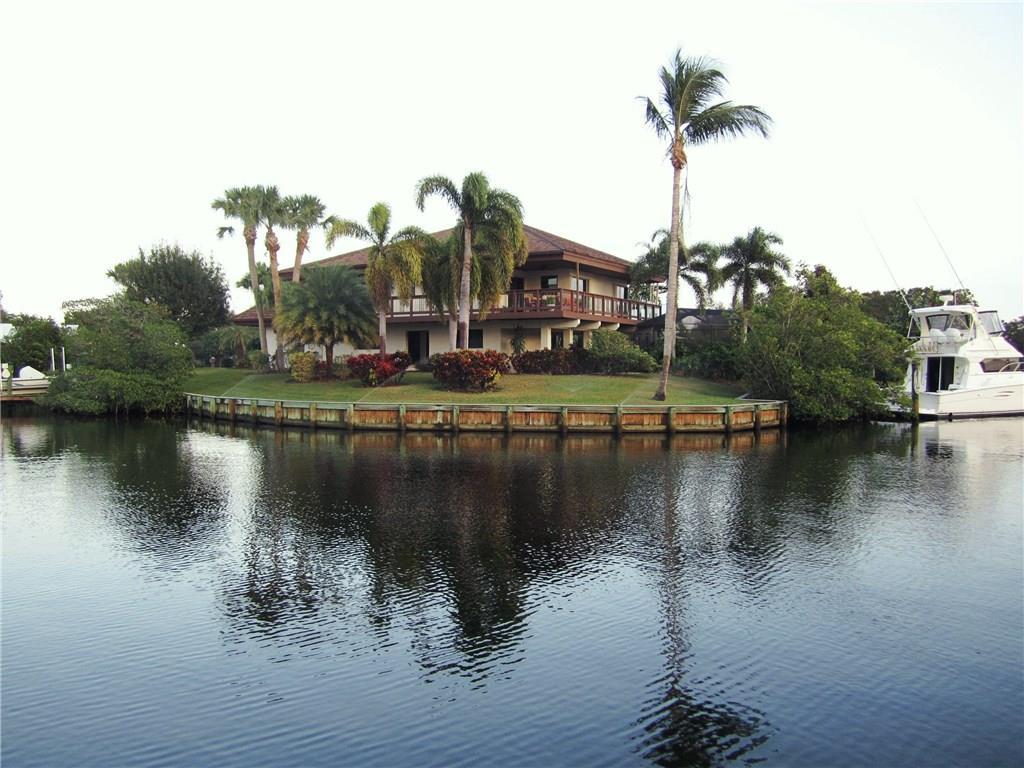 Mariner Cay Yacht Club