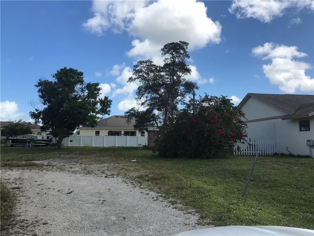 2101 SE Floresta, Port Saint Lucie, FL, 34984