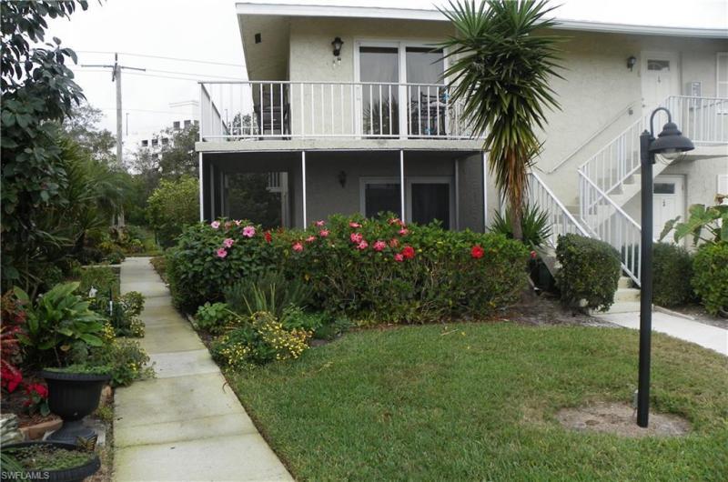 248  Palm,  Naples, FL