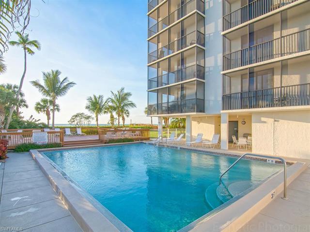 Gulf Shore DR, Naples, Florida
