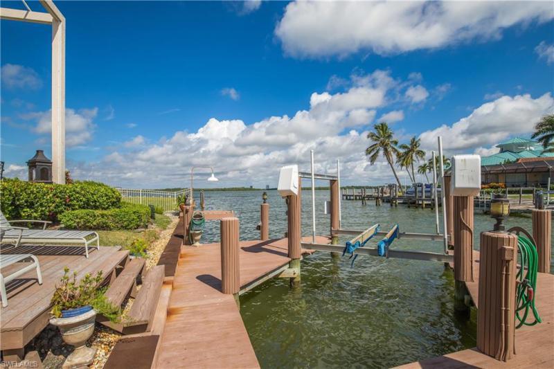 1289 Orange Ct, Marco Island, Fl 34145