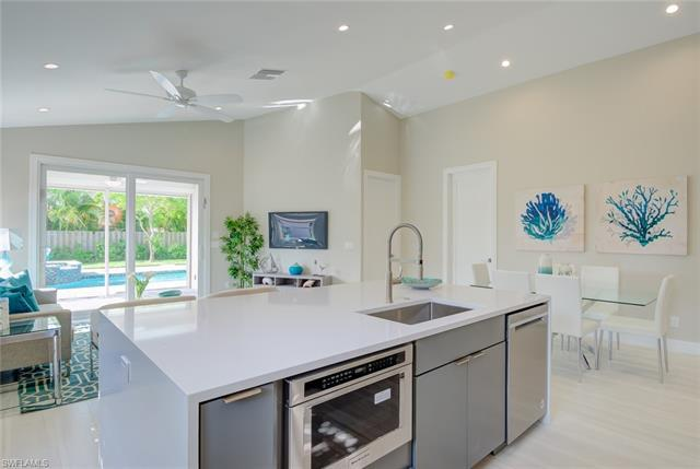 545 N 104th,  Naples, FL