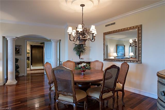 7575 Pelican Bay 907, Naples, FL, 34108