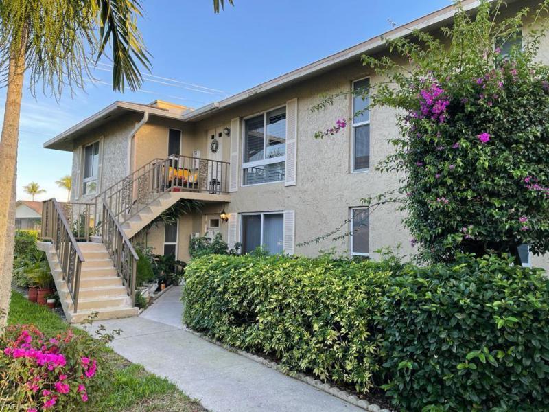 367  Palm,  Naples, FL