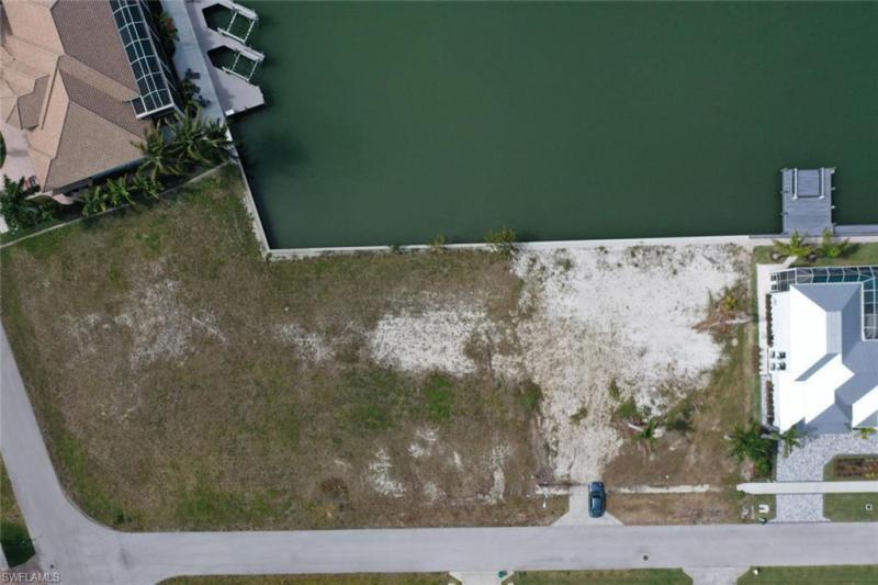 691 Cameo, Marco Island, FL, 34145