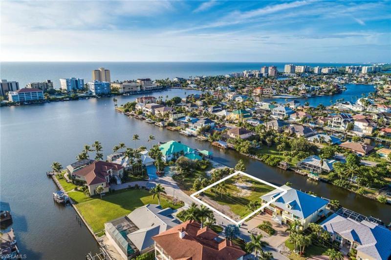 407 Bayside, Naples, FL, 34108