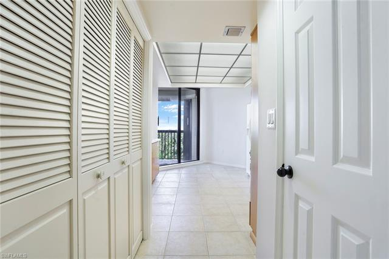 6075 Pelican Bay 504, Naples, FL, 34108
