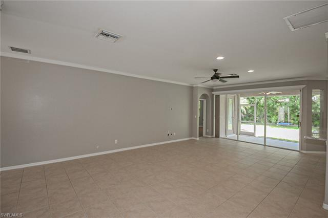 8324 Laurel Lakes BLVD Naples, FL 34119 photo 2