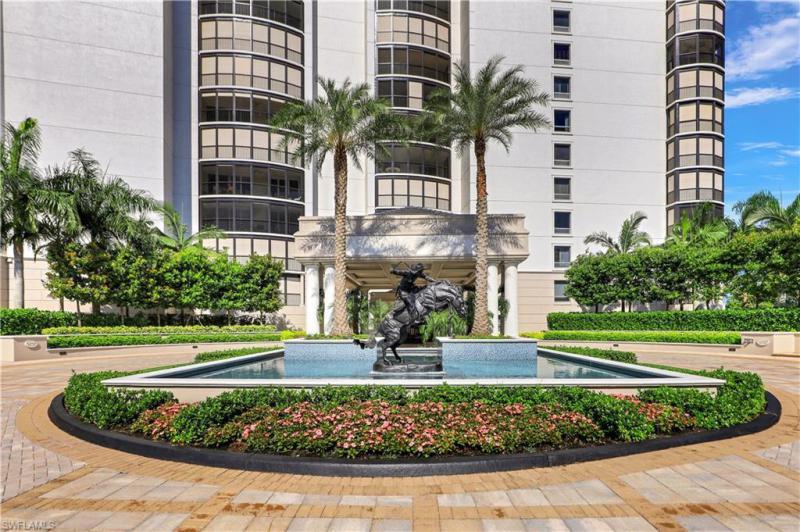 8665 Bay Colony Dr #702, Naples, Fl 34108
