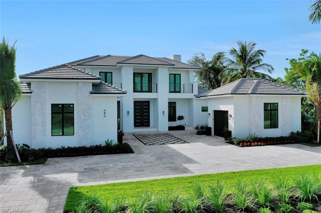 686 S Golf Dr, Naples, Fl 34102