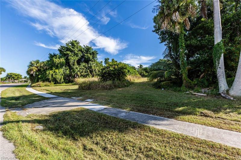 721 S Barfield, Marco Island, FL, 34145