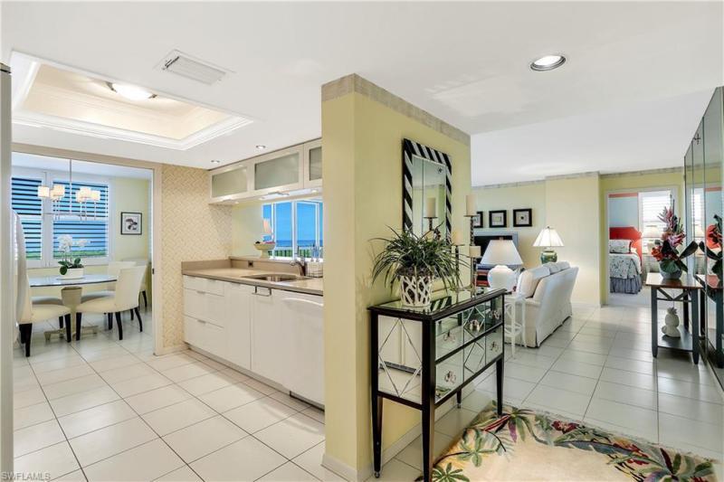 6585 Nicholas 705, Naples, FL, 34108