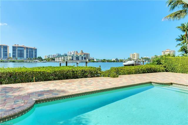 372 Oak Ave, Naples, Fl 34108