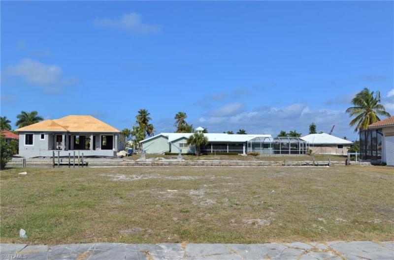 654  Bamboo,  Marco Island, FL