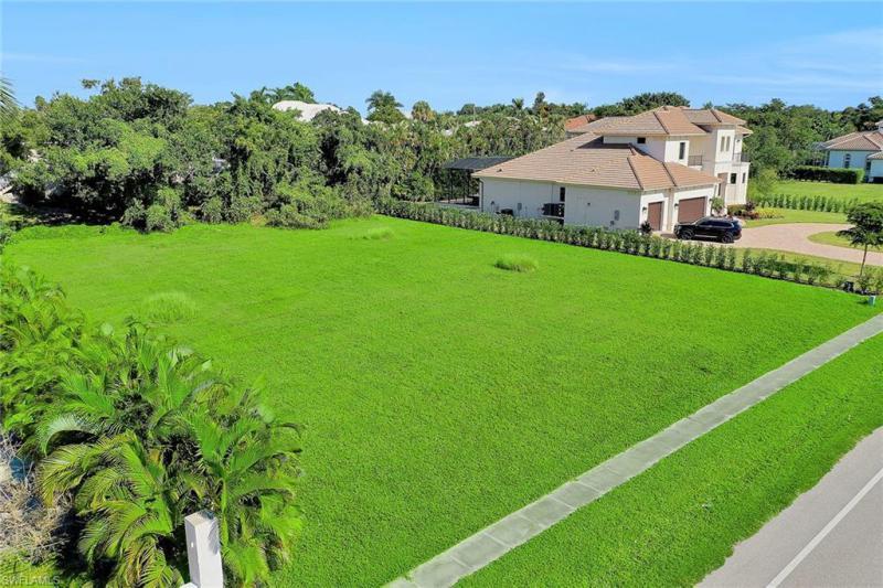 571 S Barfield, Marco Island, FL, 34145