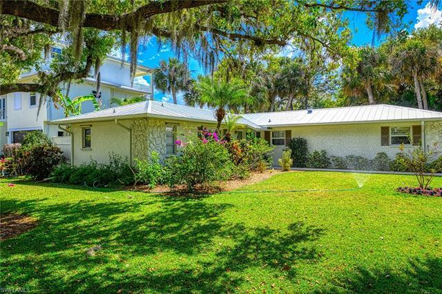 27592  Woodridge,  Bonita Springs, FL