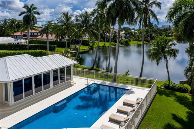 656 W Palm,  Naples, FL