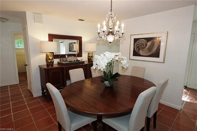 359 N 2nd Ave, Naples, FL, 34102
