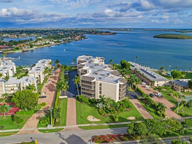 New listing For Sale in CAMELOT AT MARCO BEACH Marco Island FL