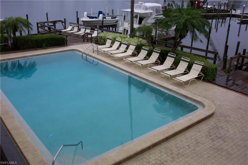271 Southbay 235, Naples, FL, 34108
