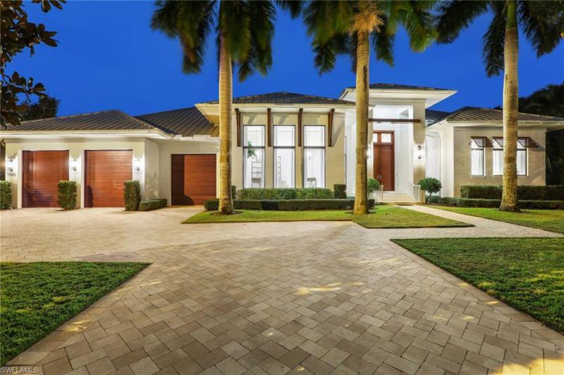 1140  Oleander,  Naples, FL