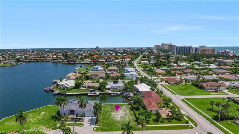 979 Daisy, Marco Island, FL, 34145