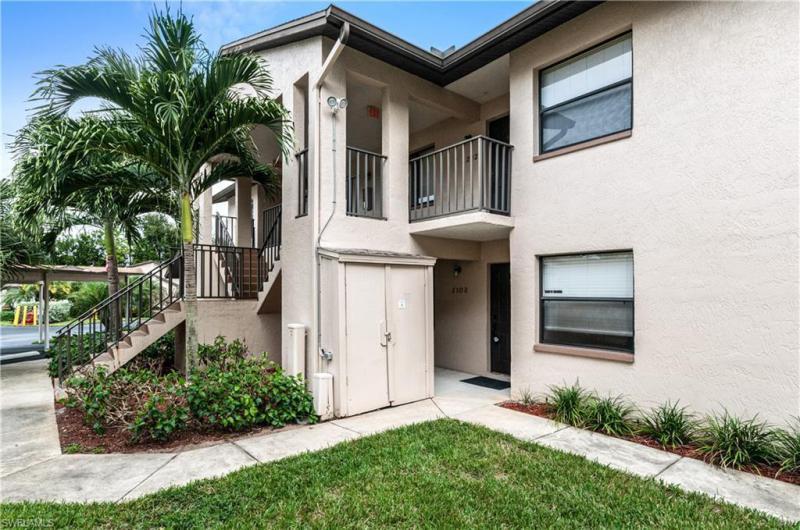 For Sale in GOLF VILLAS OF BONITA SPRINGS Bonita Springs FL
