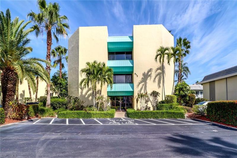 975 Palm View Dr #a-304, Naples, Fl 34110