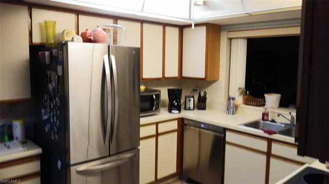 IMAGE 7 FOR MLS #221052063   7430 LAKE BREEZE DR #302, FORT MYERS, FL 33907